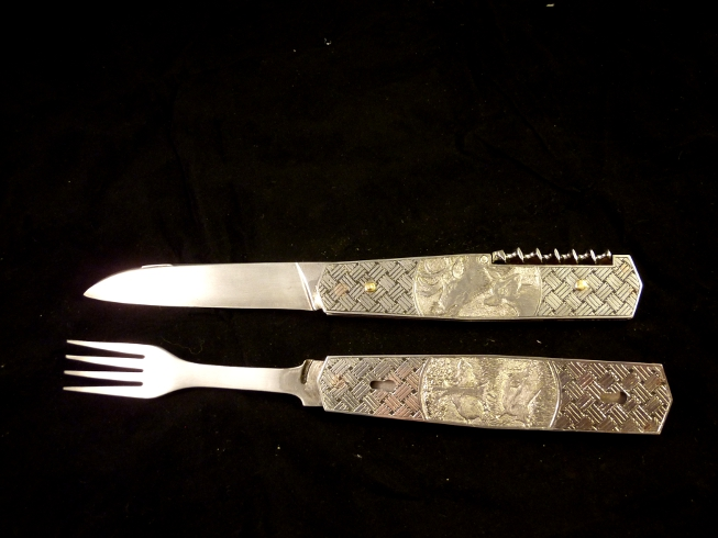 couteau de chasse gravé